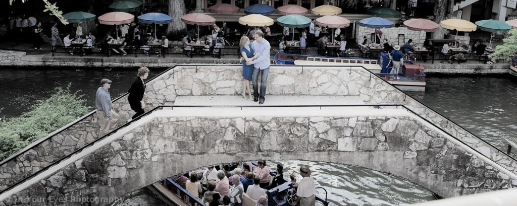 engagement photos riverwalk